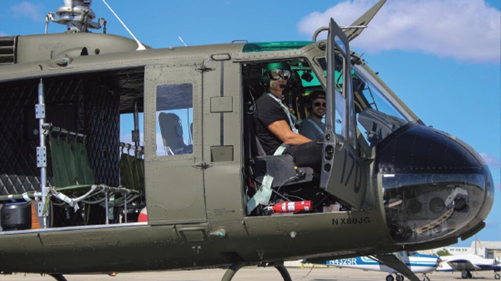 NFL Star Helps Kids Pursue Aviation Careers